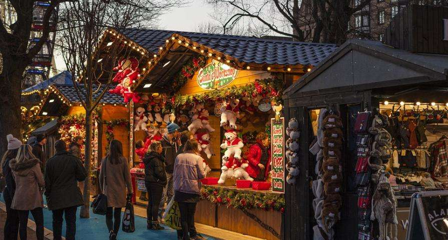 Visit the Saint Germain des Prés Christmas Market