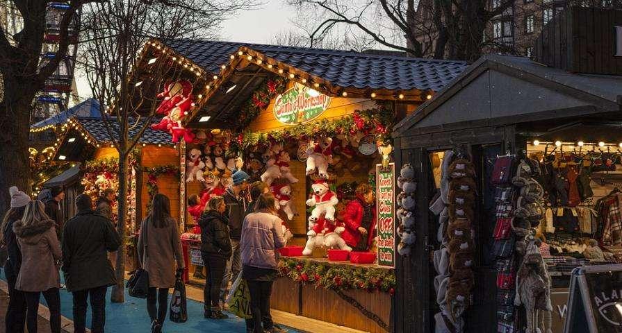 Visit the Saint Germain des Prés Christmas Market