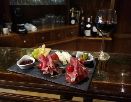 Nouvelle planche apéritive : Gastronomie française dans les règles de l'art