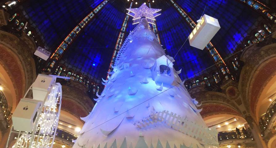 Les fêtes de fin d'année enchantent Paris