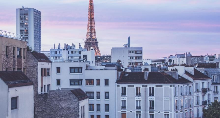 Experience an exceptional romantic stay in Paris